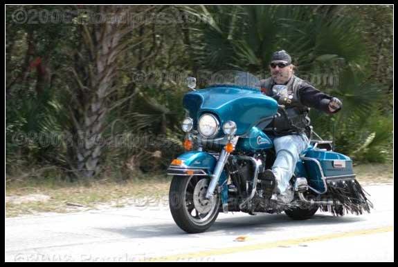 http://www.bikersaloon.com/images/matt.jpg